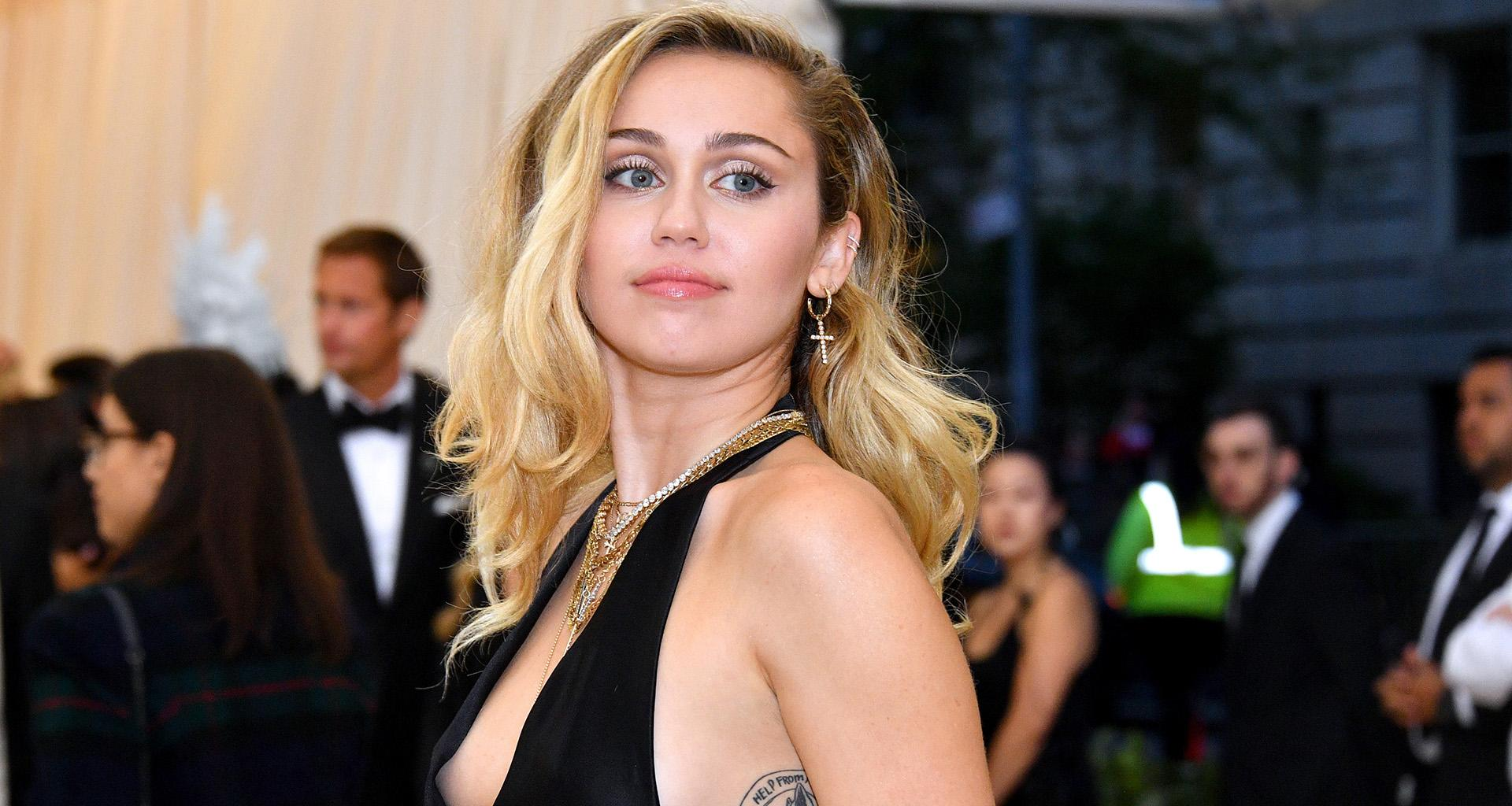 Miley Cyrus Expecting Her First Baby? - Friends Are Convinced After She Spontaneously Marries Liam Hemsworth
