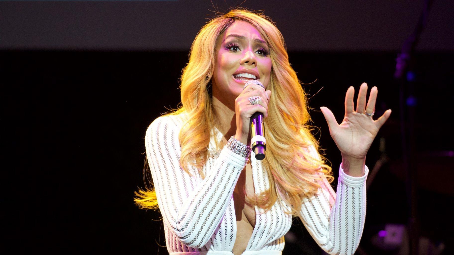 Tamar Braxton Shares A Video From One Of Her Concerts And Calls Herself 'Superwoman'