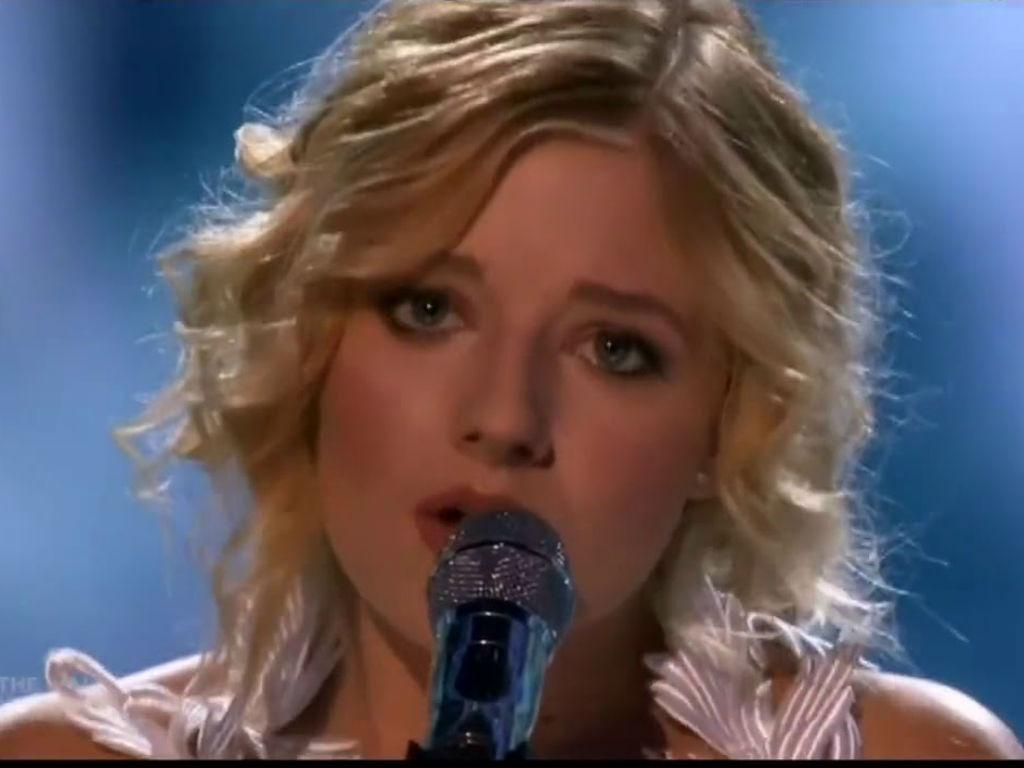 """America's Got Talent Star Jackie Evancho Talks Child Stardom & Men Who """"Wanted To Hurt"""" Her"""