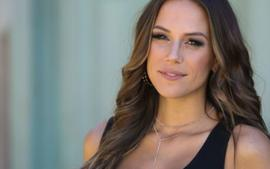 Jana Kramer Reveals Her Marriage Was Suffering Because Of Her Miscarriages!