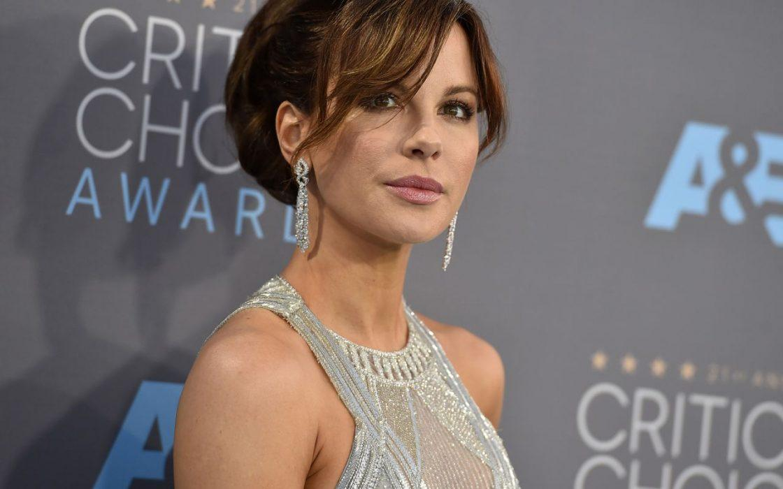 Kate Beckinsale Says That She's Grateful For The Few Memories Of Her Father