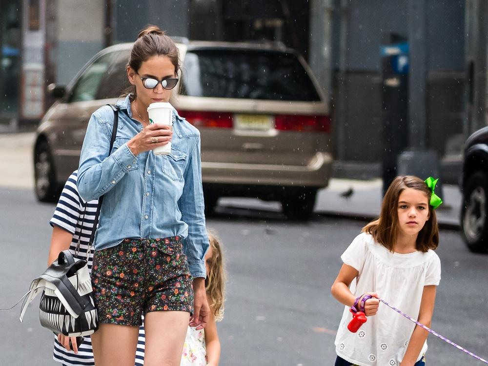 Katie Holmes Hangs Out With Daughter Suri After Her Vacation With Jamie Foxx