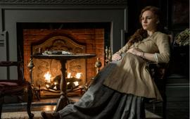 Outlander Drops New Photos Of A Pregnant Brianna With No Roger In Sight