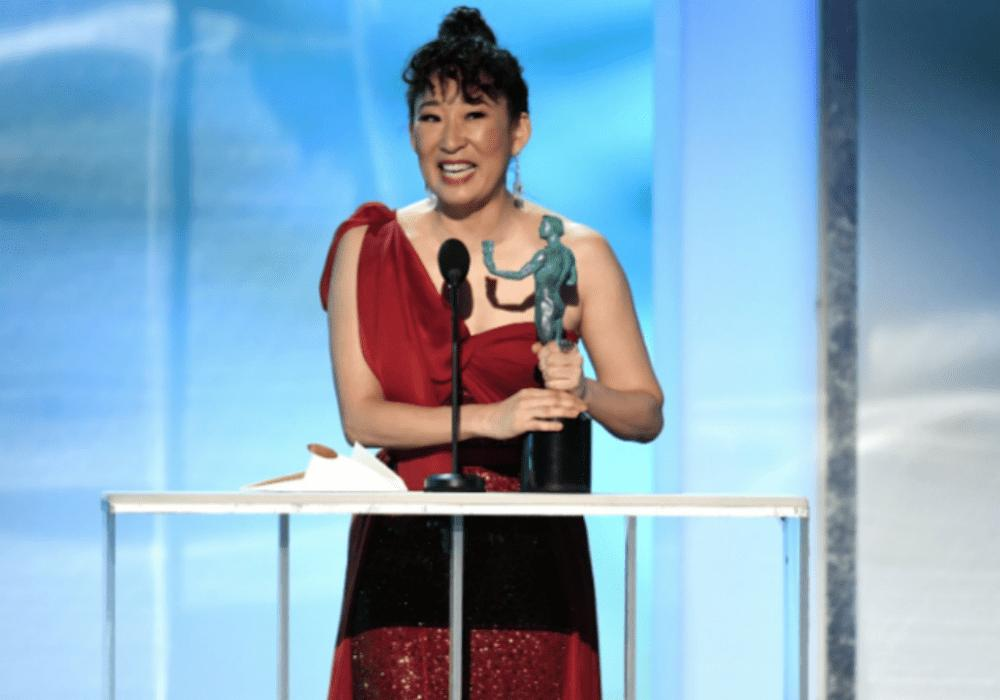 Sandra Oh Stuns In Red As She Wins SAG Award For 'Killing Eve' — Thanks Jamie Foxx For Encouragement
