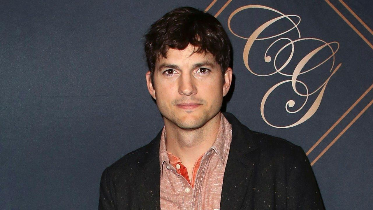 Ashton Kutcher Makes His Personal Phone Number Public And Asks People To Just Text Him - Here's Why!