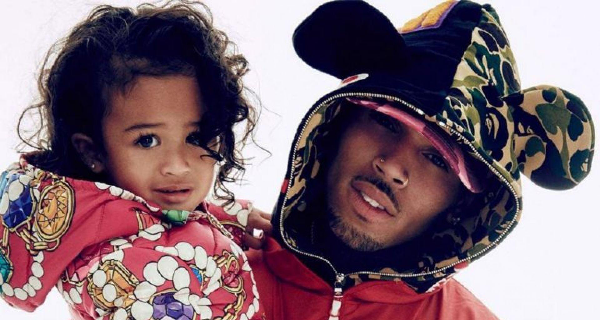 Chris Brown Posts Another Adorable Pic Of Royalty During Father-Daughter Movie Date!