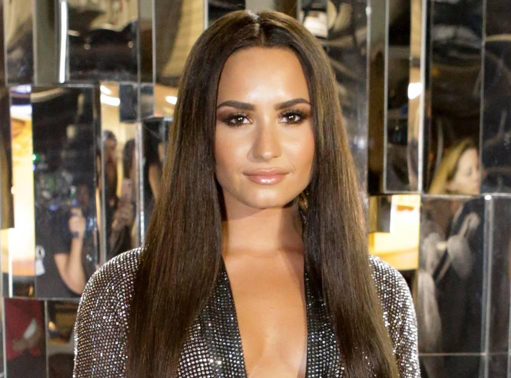 Demi Lovato Slams Instagram After Getting Fat-Shaming Ad!