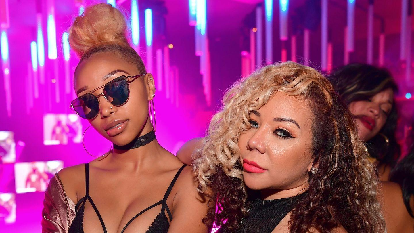 Tiny Harris & Daughter Zonnique Pullins Show Off New Hair Colors - Check Out Their New Sassy Looks In The Video
