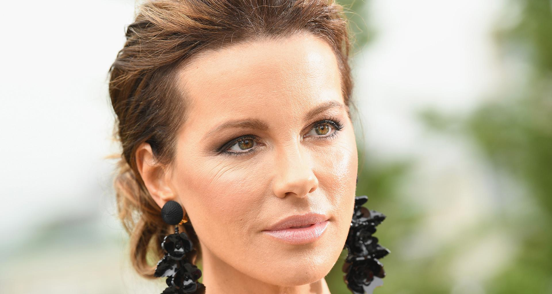 Kate Beckinsale Suffers Painful Ruptured Ovarian Cyst And Shares Teary Pics From Her Hospital Bed