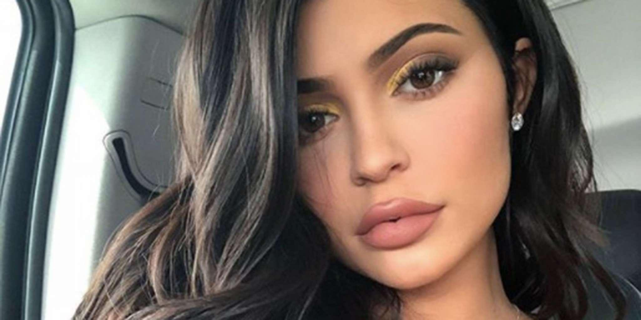 KUWK: Kylie Jenner Teases New Project, Denies She Is Pregnant!