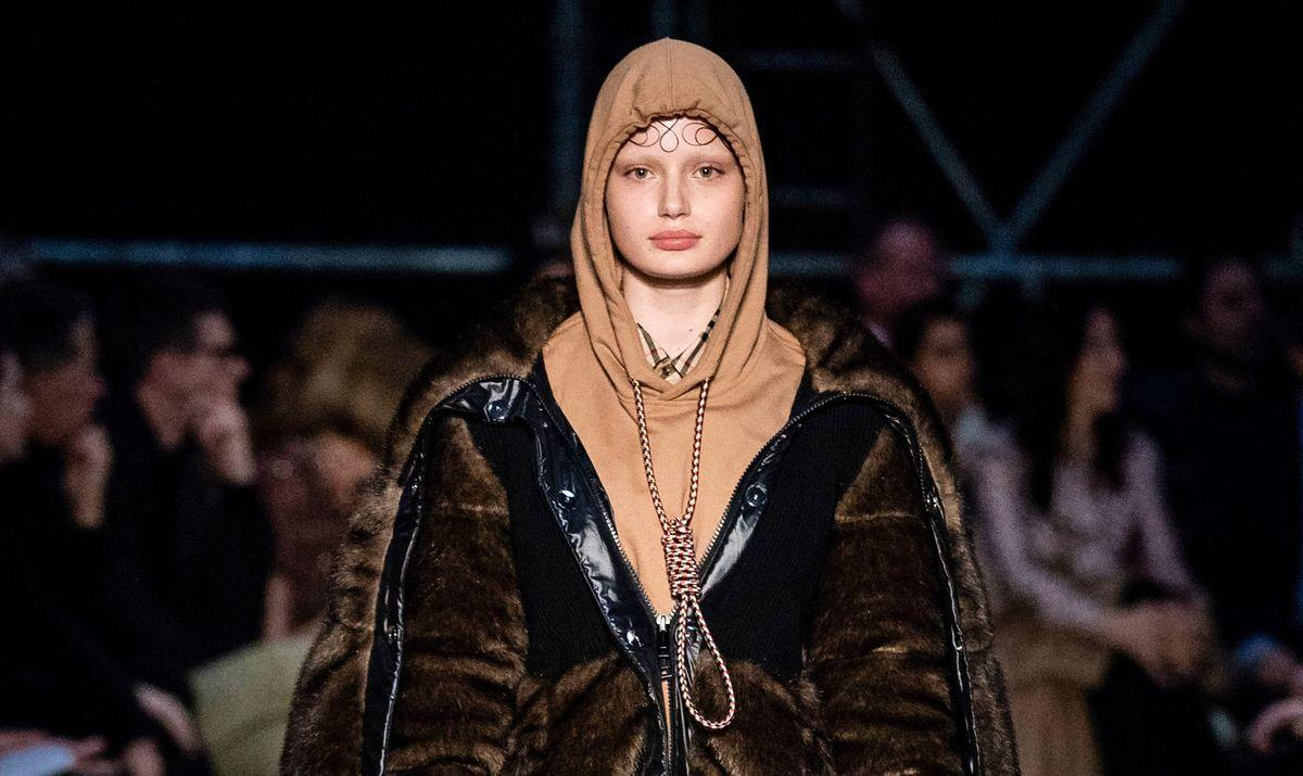"""Burberry Apologizes For """"Noose Hoodie"""" Following Social Media Backlash Started By Model Liz Kennedy"""