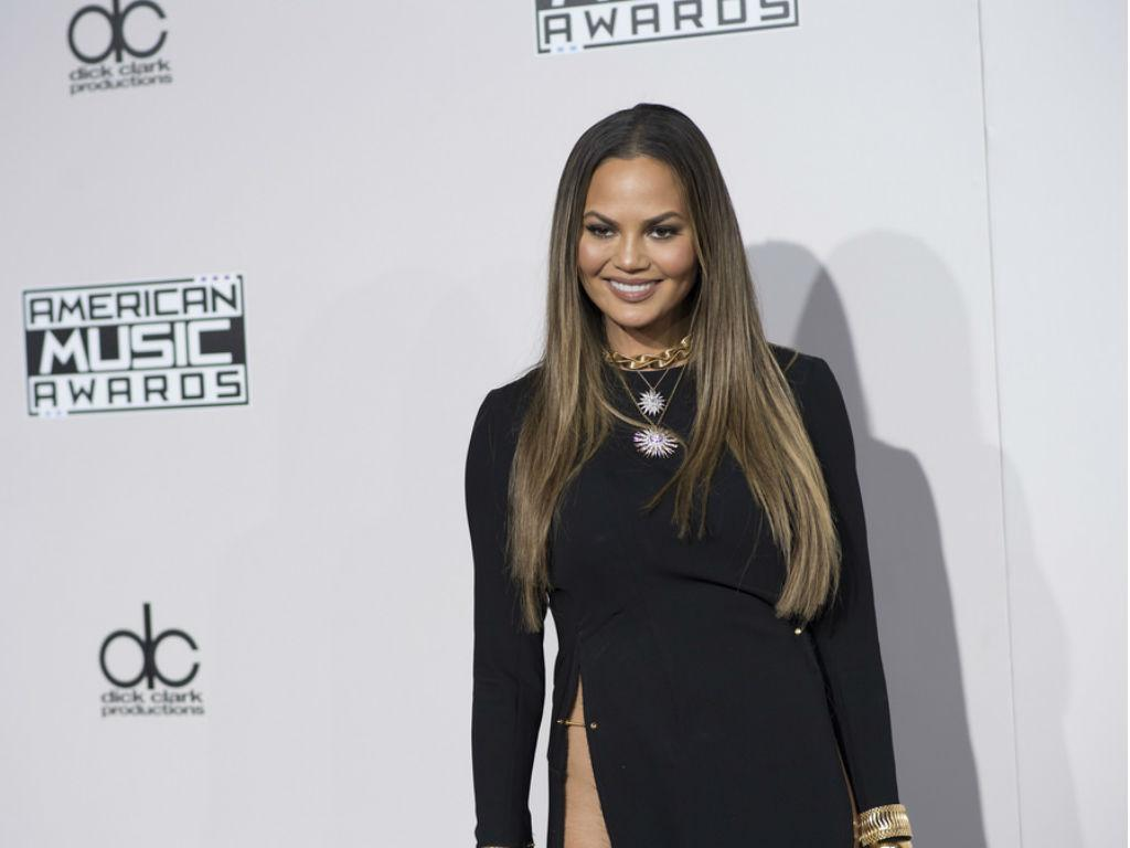 """Chrissy Teigen Asks Fans For Help With New Recipe Website """"Tell Me What I Should Make"""""""