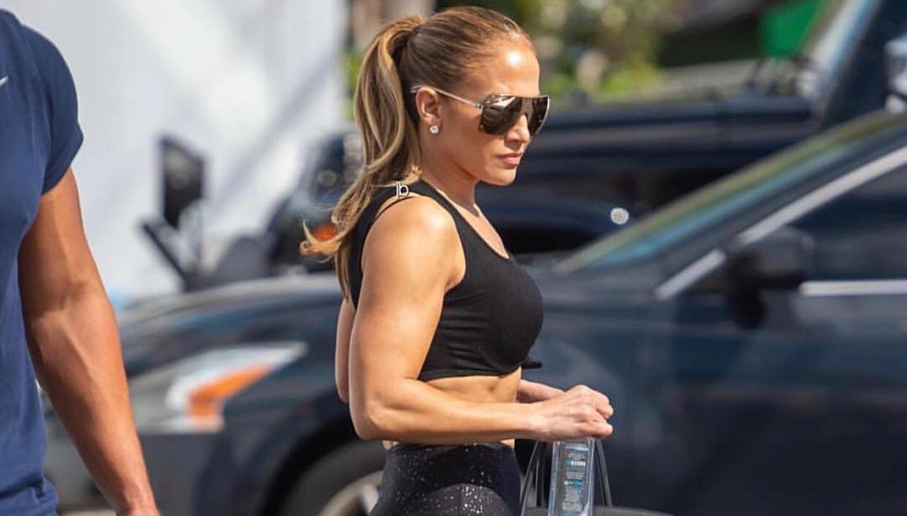 Jennifer Lopez Shows Off Her Amazing Body In New Picture After Breaking The Internet And Getting Alex Rodriguez And Diddy To Agree