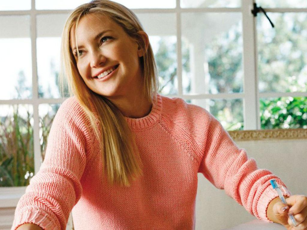 Kate Hudson Belts Out 'Shallow' While Doing Pilates Leaving Fans Impressed By Her Skills
