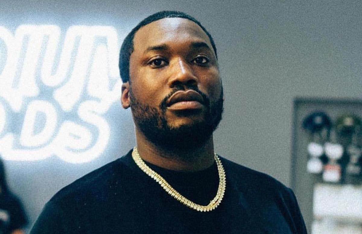 Meek Mill Gushes Over Kourtney Kardashian's Booty Online - Fans Warn Him: 'Don't Do It. Close Your Eyes And Walk Away!'