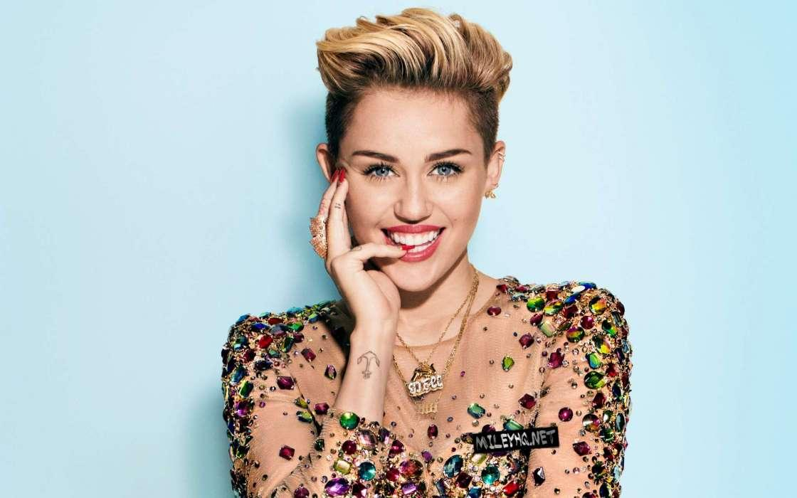 Miley Cyrus And Shawn Mendes Will Collaborate In New Single Amid News Of Grammy Performance
