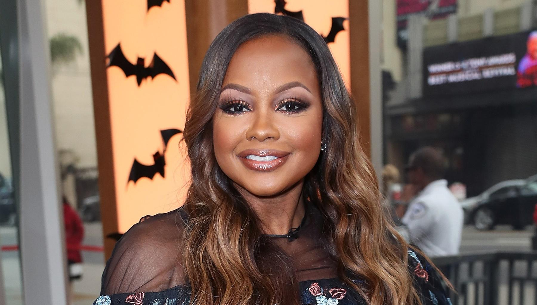 Phaedra Parks Gives Them Something To Talk About In Stunning Valentine's Day Dress Photo -- Will Tone Kapone Resist?