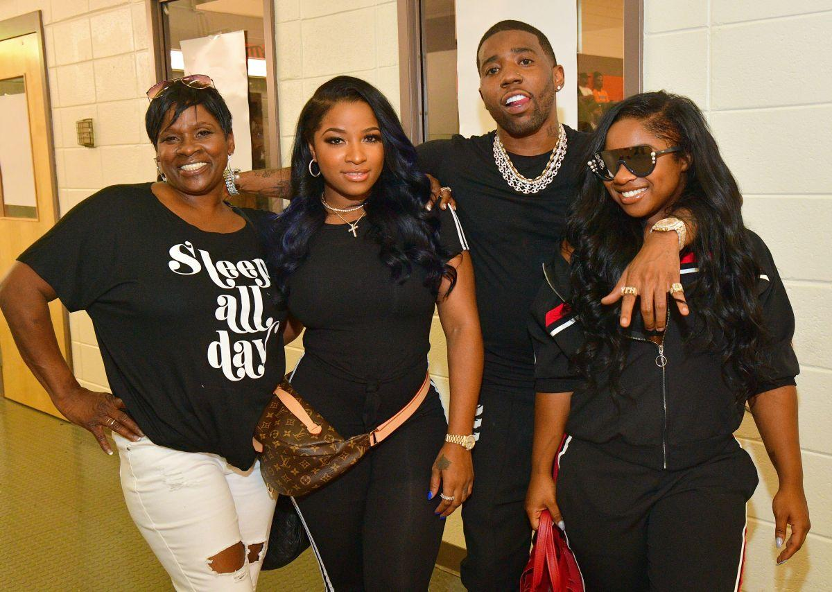 Toya Wright Defends Her Daughter Reginae Carter And Claps Back At Fan Who Tells Her She Needs Makeup