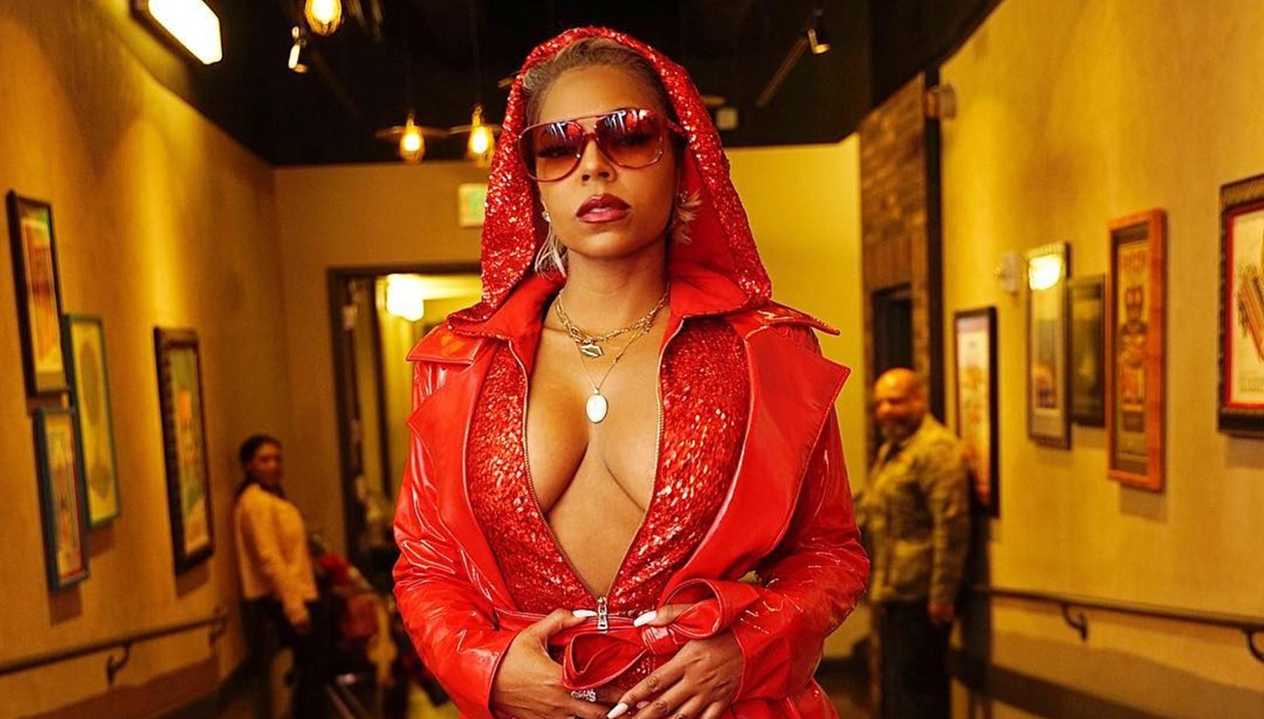 Ashanti Reminds People Of Beyonce In Out-Of-This-World Trinidad Performance -- Did Ja Rule's Pal Go Too Far In This Video?