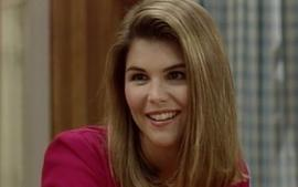 "Twitter Roasts Full House's ""Aunt Becky"" Over Lori Loughlin's Alleged Involvement In College Admissions Scandal"