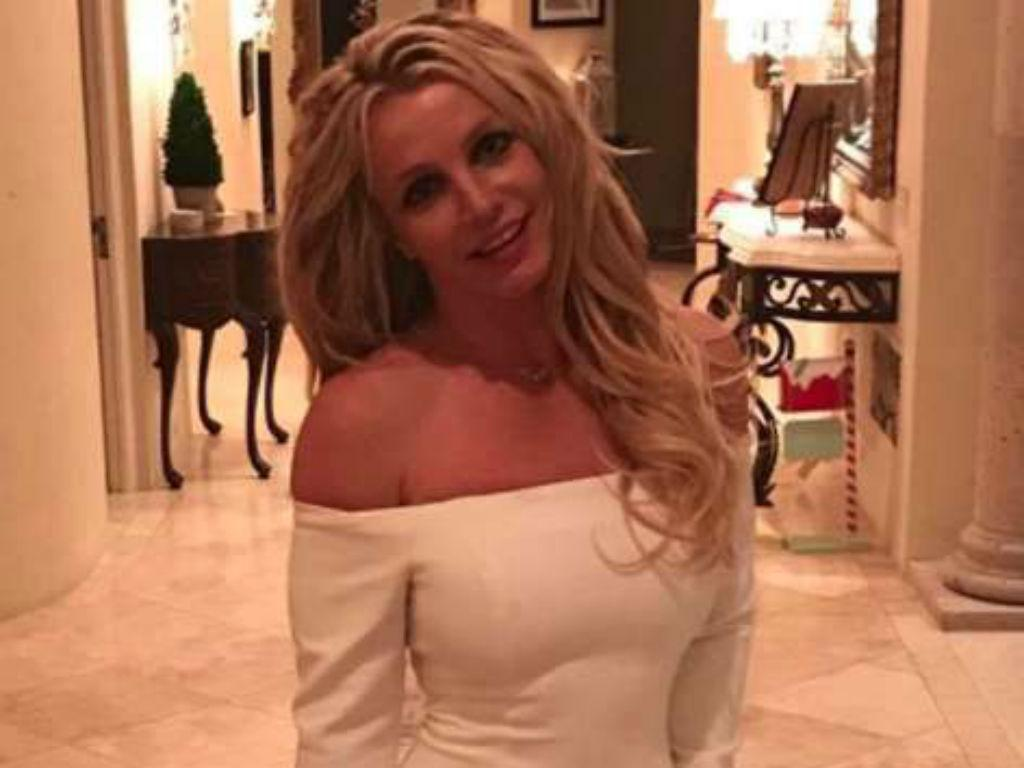 Britney Spears Still Has Conservator Singer Can't Get Married Without Father Jamie Spears Approval