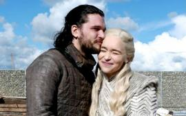 Game Of Thrones Star Kit Harington Reveals Jon Snow Is In Love With Daenerys, But There Is A Sledgehammer Coming