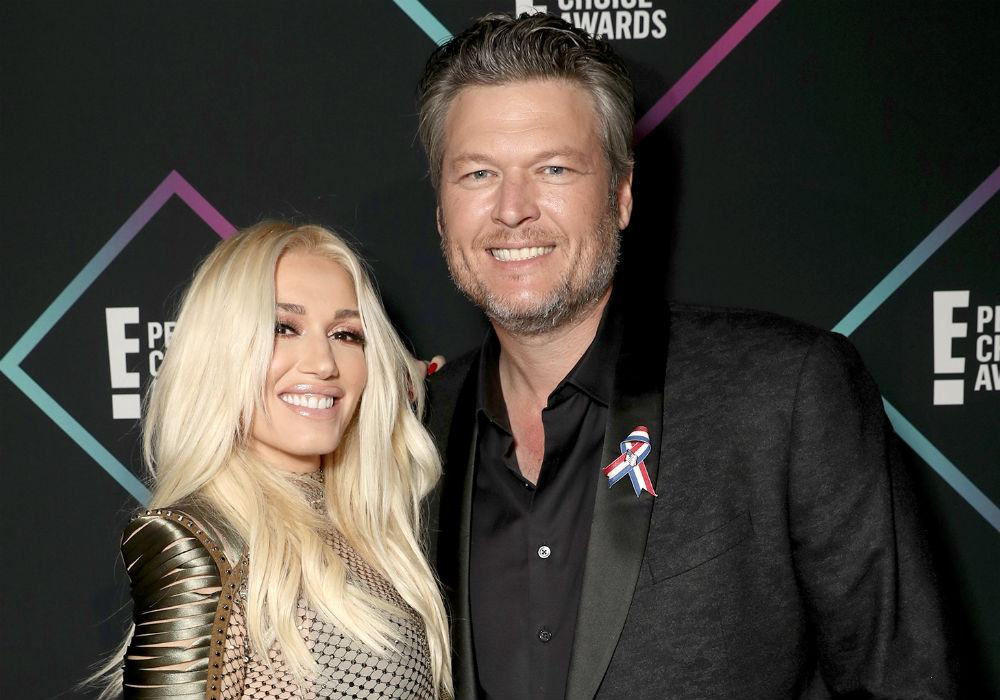 Gwen Stefani And Her Boys Adorably Greet Blake Shelton At The Airport