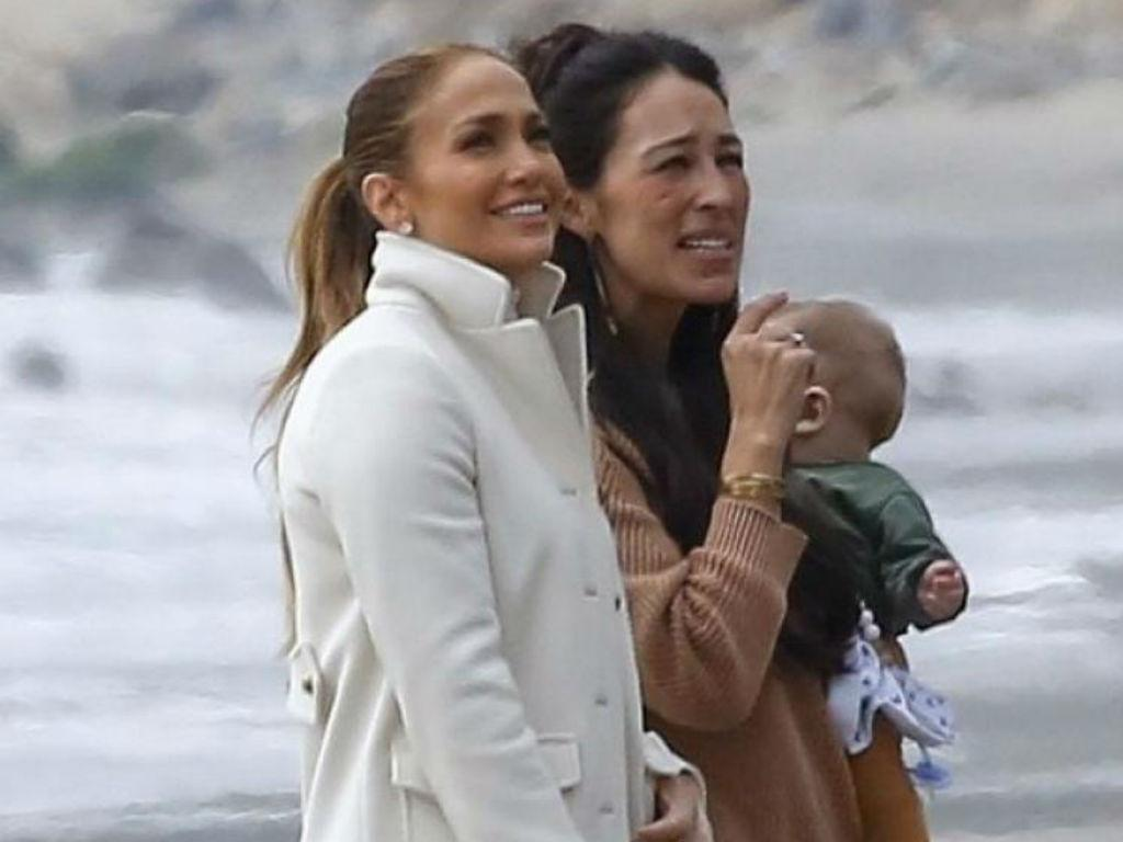 Jennifer Lopez Fangirls Over Joanna Gaines Now They Might Be Fixing Up Singer's Malibu Home Together