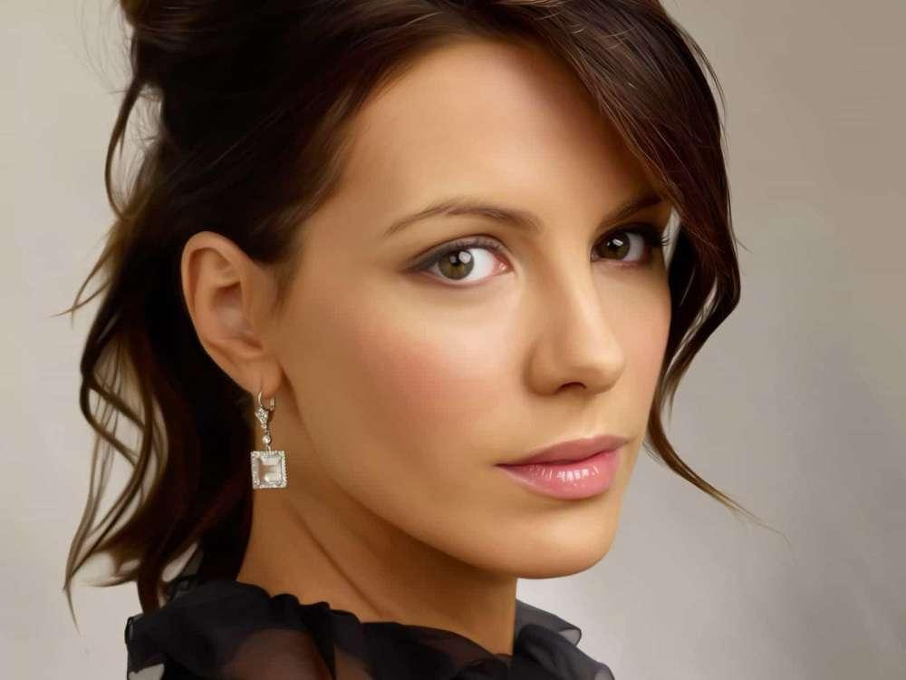Kate Beckinsale Dishes On Pete Davidson Romance In New Interview
