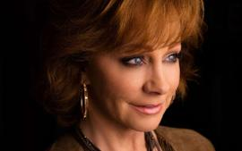 """Reba McEntire Claims She's """"Sick"""" Of """"Bro Trend"""" In Country Music Right Now"""