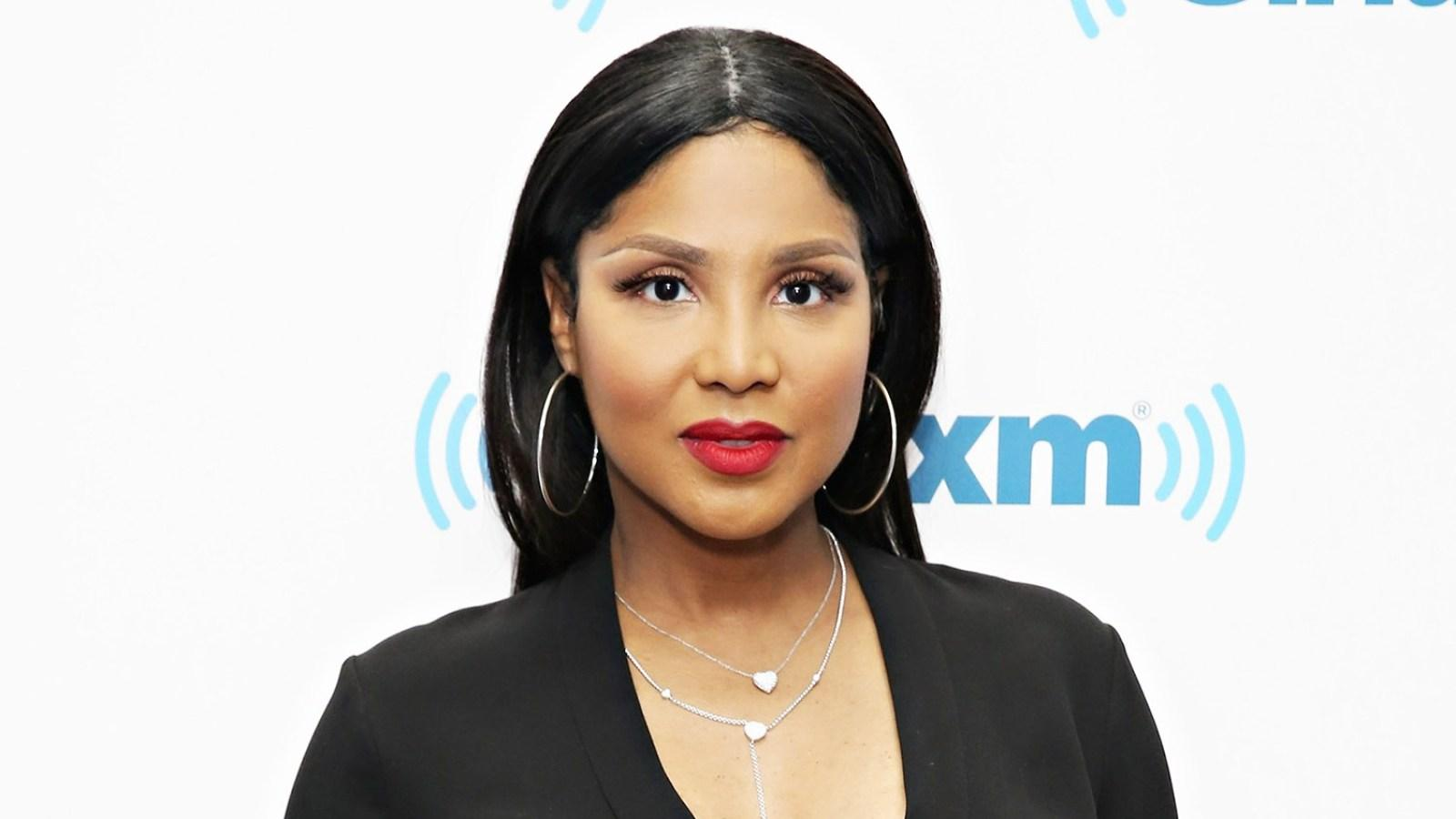 Toni Braxton's Fans Pray For Her As She Suffers From Lupus Symptoms And Terrible Cough After Ending 'As Long As I Live' Tour