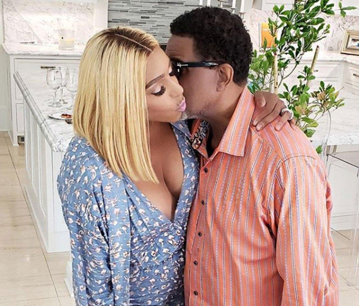 NeNe Leakes Poses Happily With Gregg Leakes After They Both Apologized For Hurting One Another