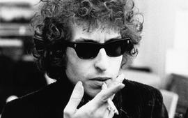 Bob Dylan Castigates Fans For Being On Their Cell Phones During Concert