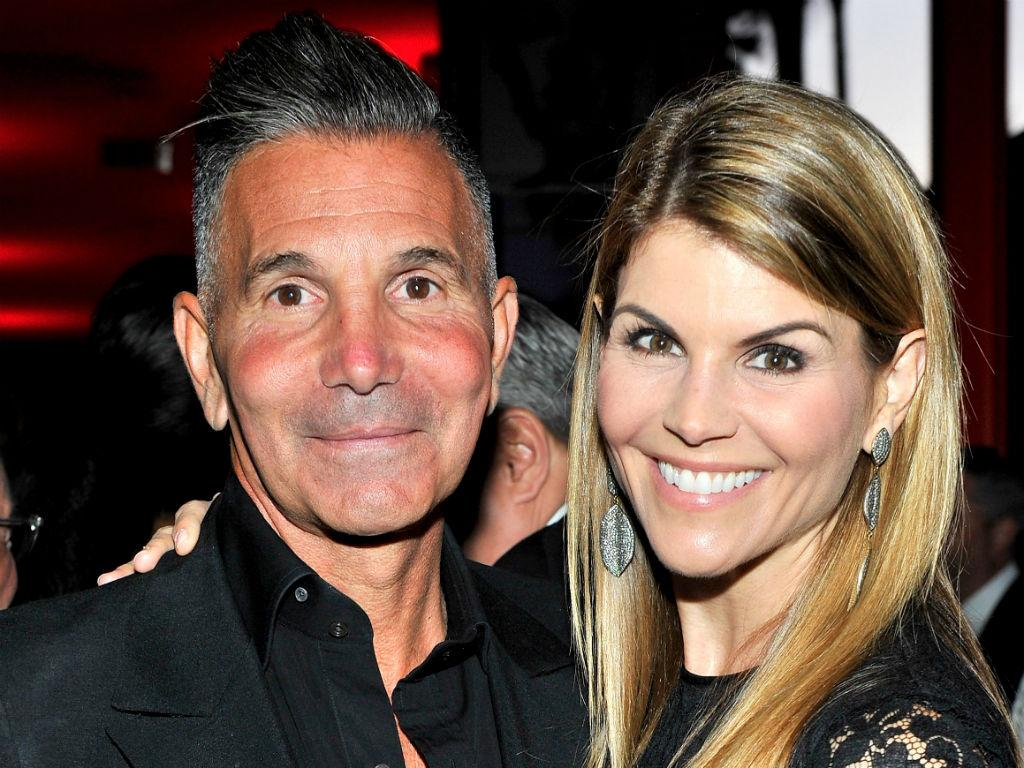 Details Emerge About Lori Loughlin And Mossimo Giannulli's Plan To Scam Daughters Way Into USC