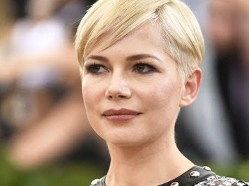 """Michelle Williams Recalls Feeling """"Paralyzed"""" When Mark Wahlberg Was Paid More Than Her As Actress Fights For Paycheck Fairness"""
