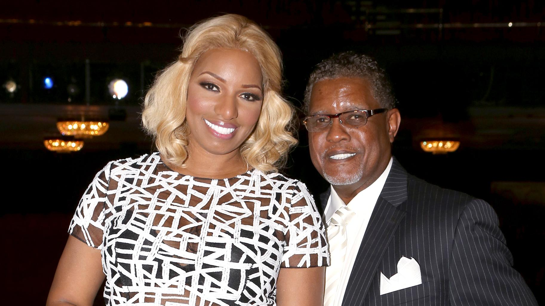 NeNe Leakes' Husband, Gregg Leakes Supports Her Amid Her Feud With Cynthia Bailey - People Believe That 'His' Message Was, In Fact, Written By 'Manipulator' Nene