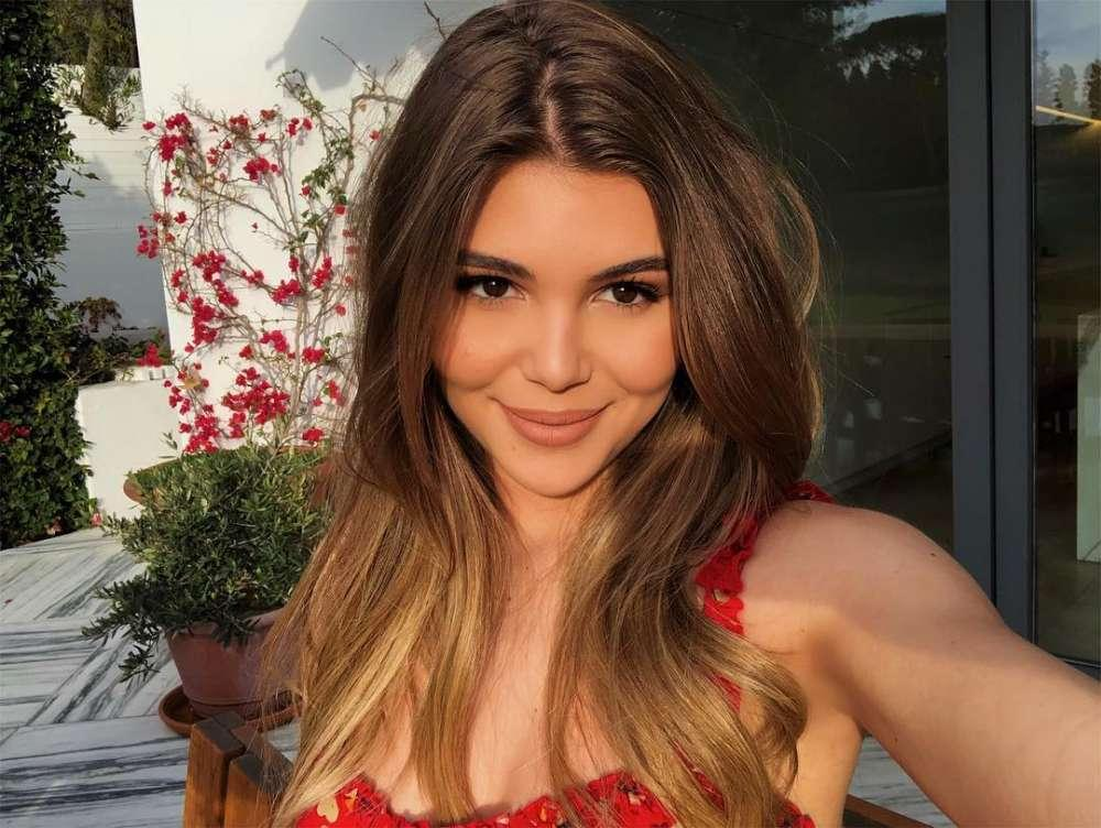 """Olivia Jade Appears In Public For The First Time Since Allegedly """"Going Into Hiding"""""""