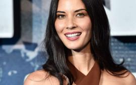 Olivia Munn Drags These Bloggers For Criticizing Women's Fashion