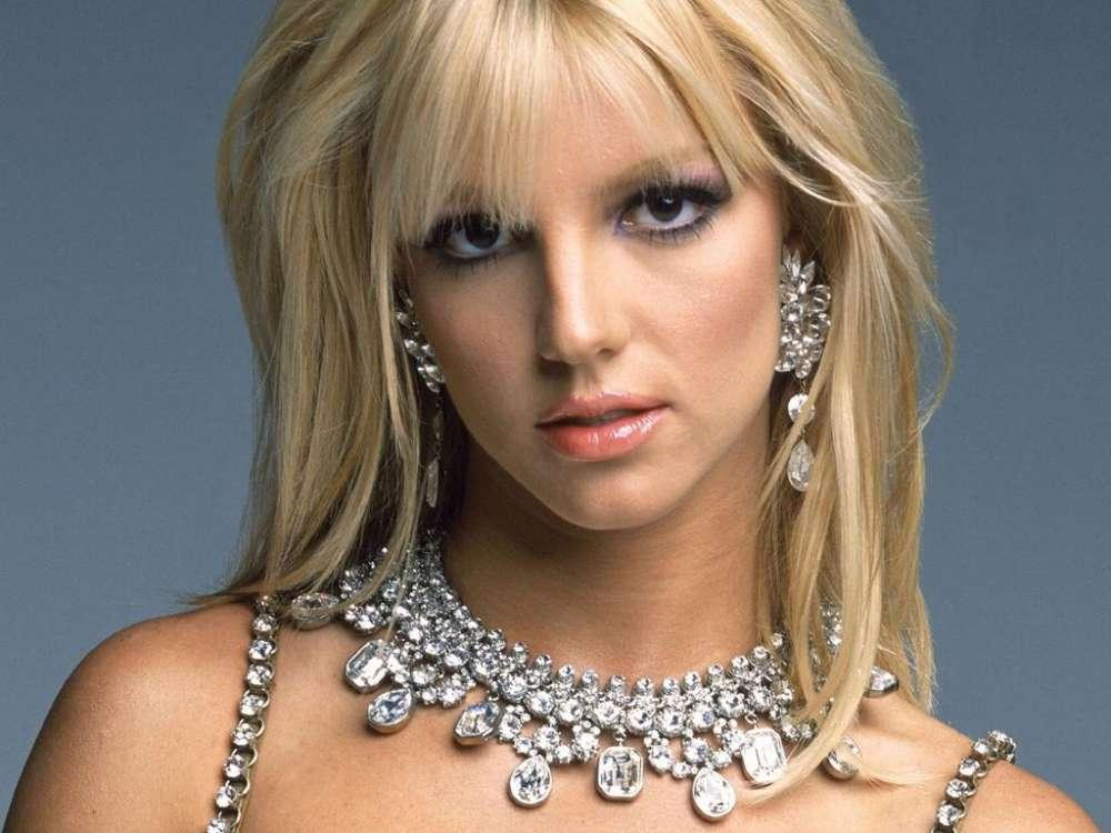This Fan Believes Britney Spears Posts Are Old - Another Spears Conspiracy Theory Is At Play
