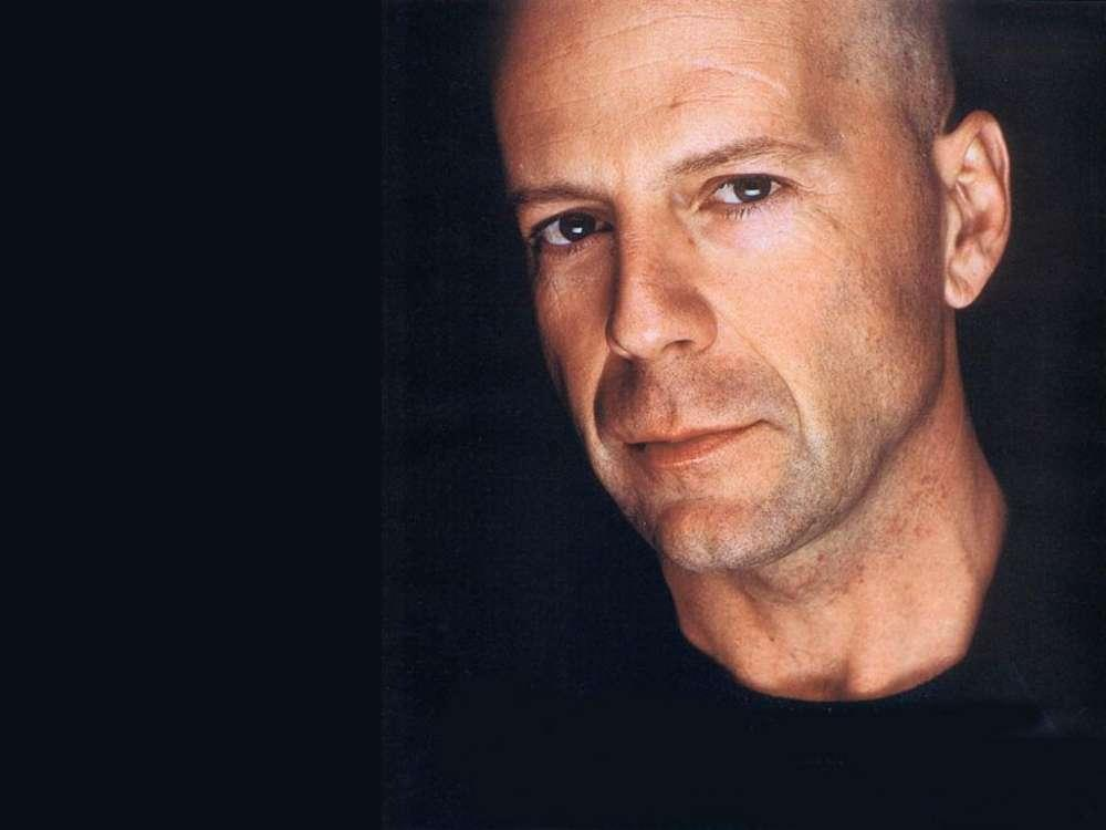 Bruce Willis Fumbles Pitch At Phillies Game - Hear The Crowd's Reaction!