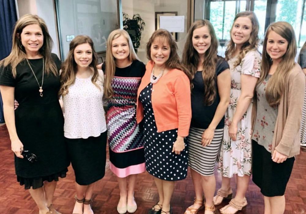 'Counting On Stars Anna, Kendra, And Jessa Duggar Show Off Their Growing Baby Bumps