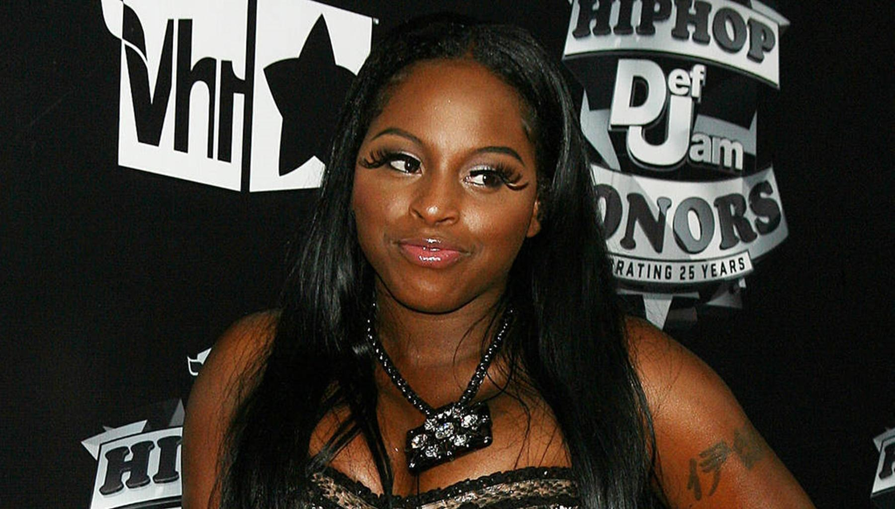 Kandi Burruss' Fans Chase Foxy Brown Who Is Legally Deaf Off Stage In Must-Watch Video -- They Wanted Lil Kim
