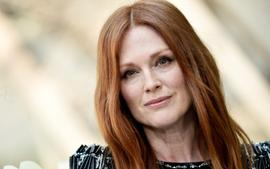 Julianne Moore Says She Doesn't Get Paid Equally For Her Films!