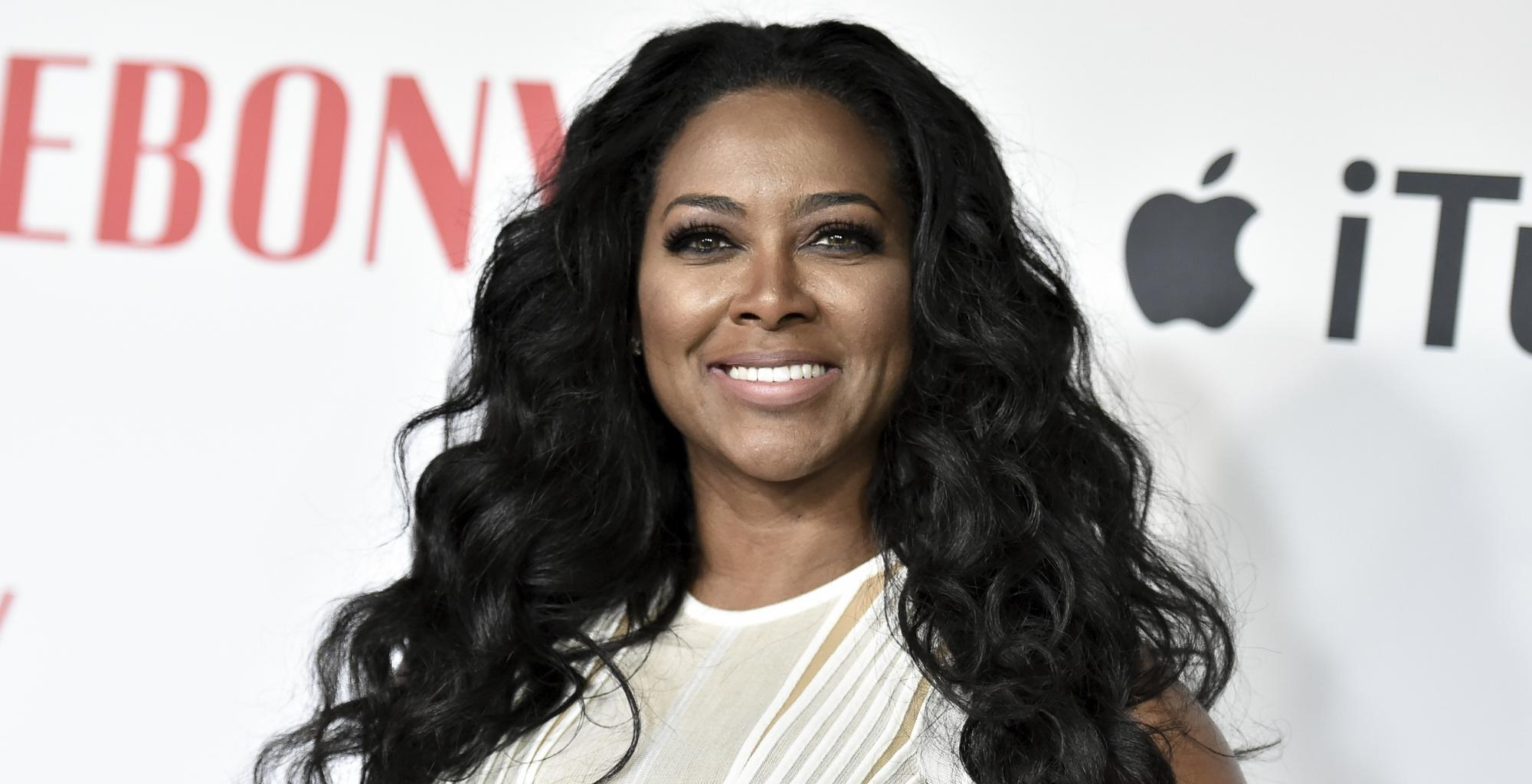Kenya Moore's Fans Discuss Her Hair Care Products And Supplements