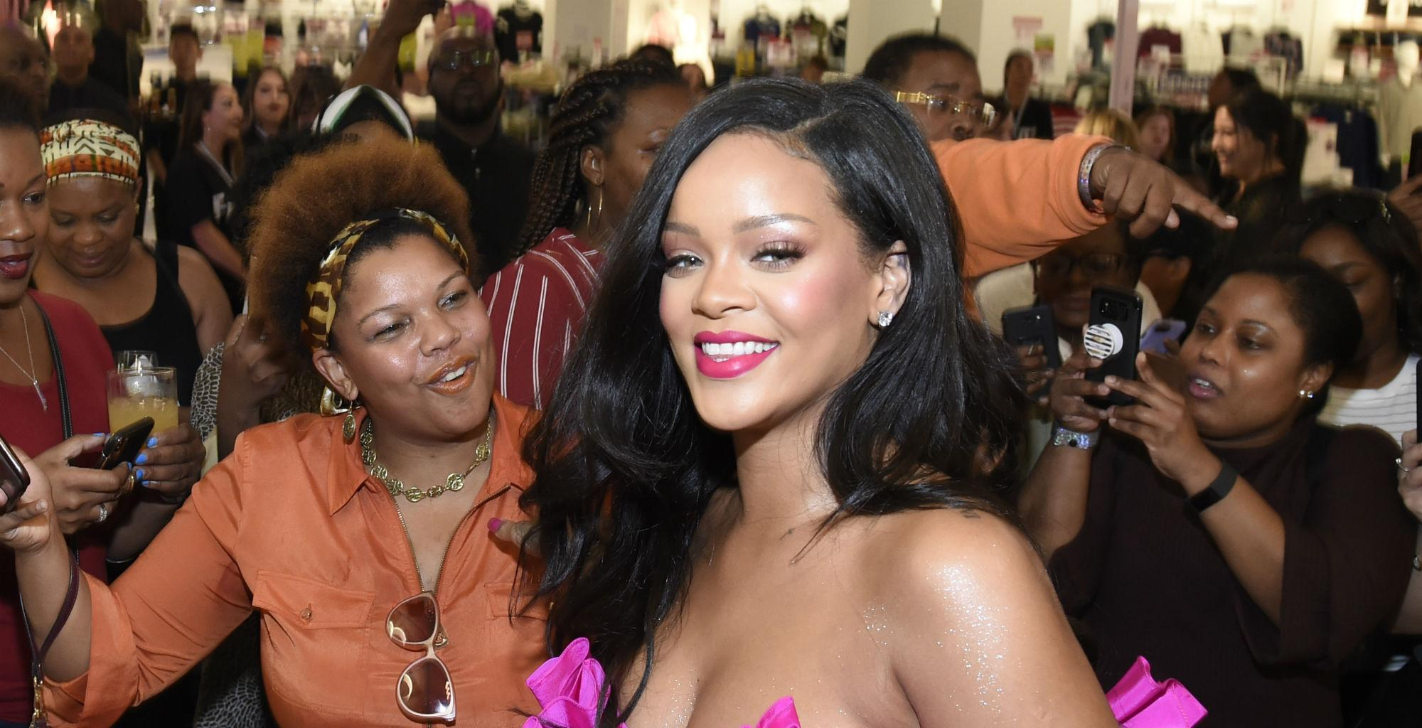 Rihanna's Fans Are Rooting For Her To Be The Next Black Woman Billionaire - People Compare Her To Kylie Jenner