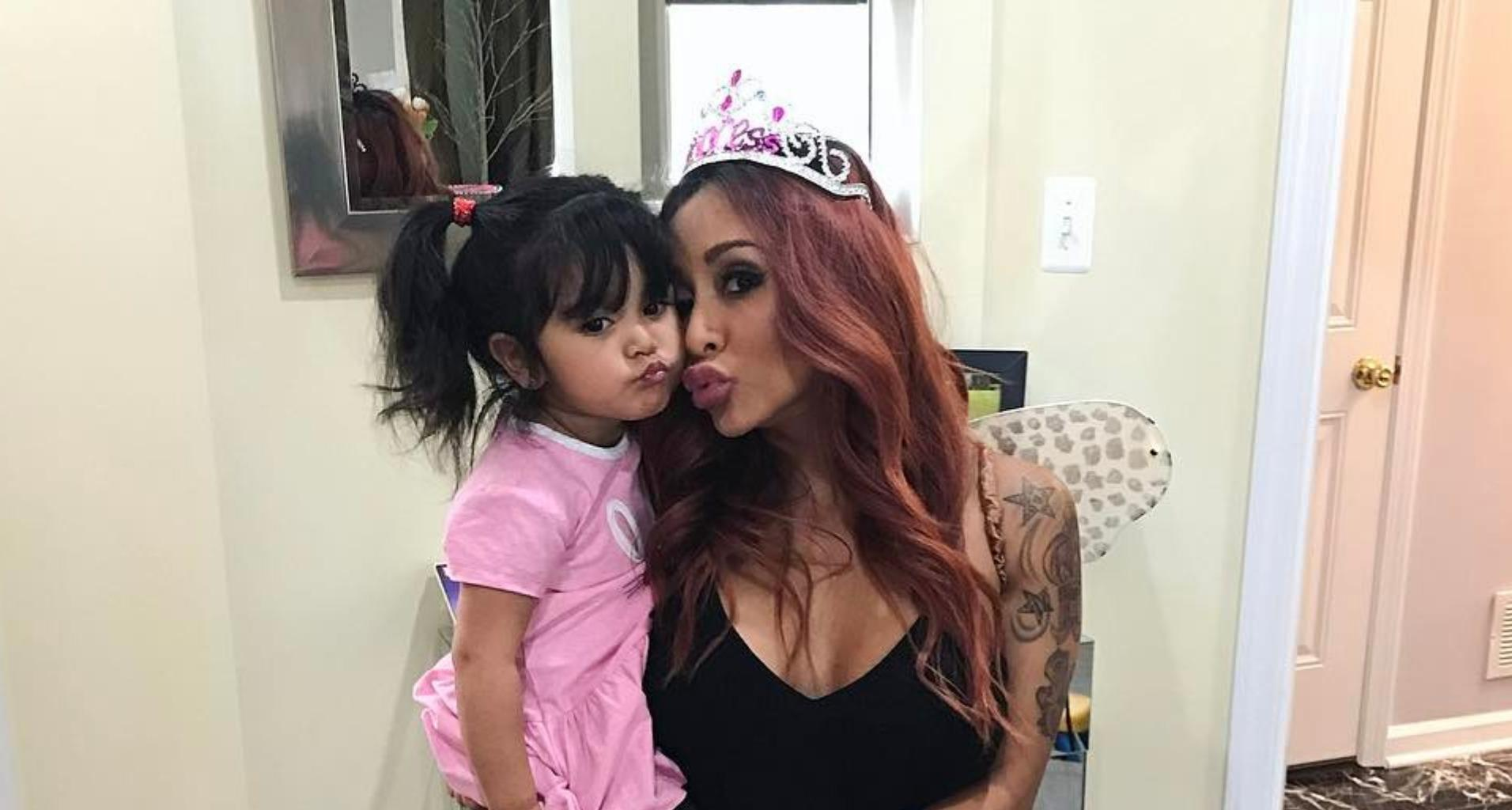 Snooki Can't Wait To Finally Welcome Her Third Baby - Says She Feels 'Miserable!'