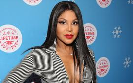 Toni Braxton Poses With Her Two Sons, Denim And Diezel And Fans Are Gushing Over The Handsome Young Men