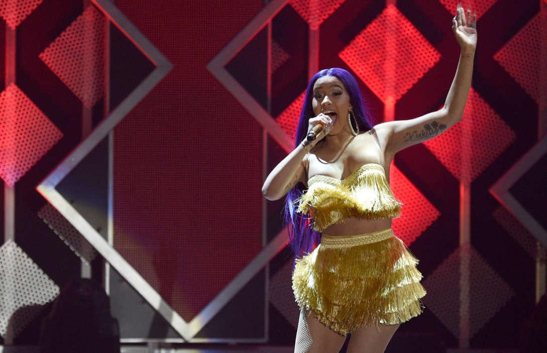 Cardi B Performs In Bathrobe At Bonnaroo After Her Costume Rips On Stage