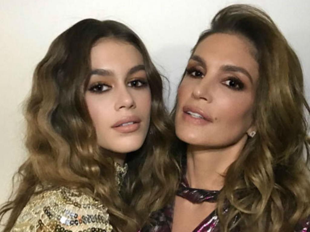 Cindy Crawford And Daughter Kaia Gerber Are Twin In New Swimsuit Beach Photos