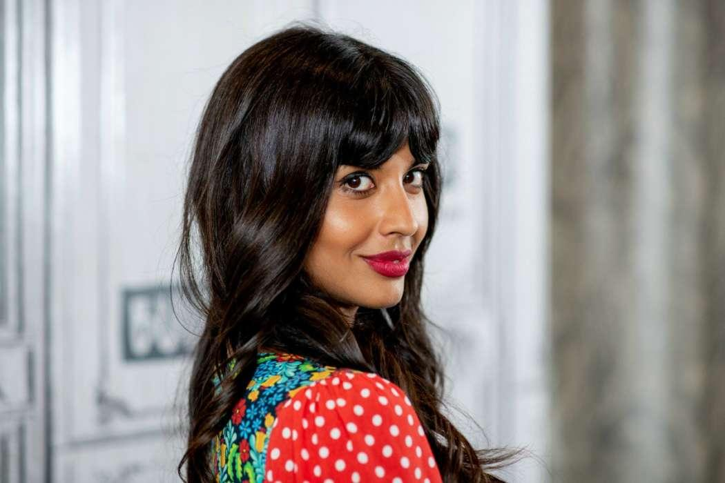Jameela Jamil Says She Won't Be Covering Up Imperfections With Body Makeup